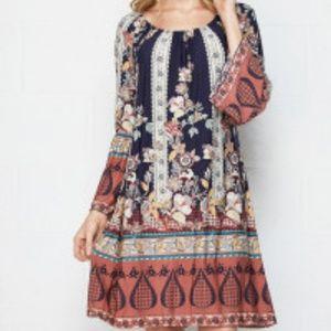 NWT HONEYME BELL SLEEVE FLORAL PRINT DRESS